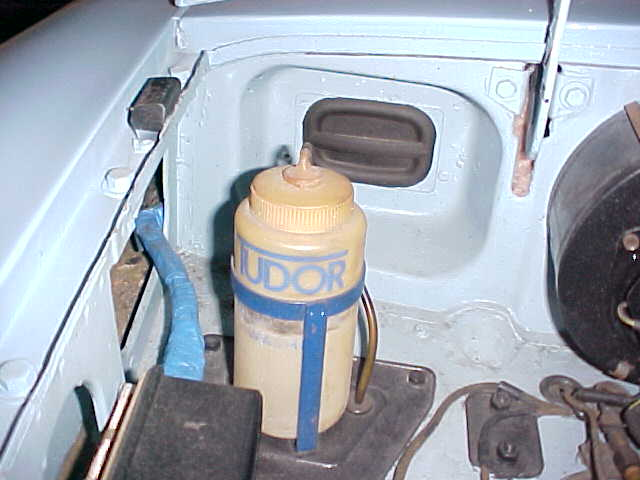 Correct Tudor Windshield Washer Bottle for Pull Handle MGB