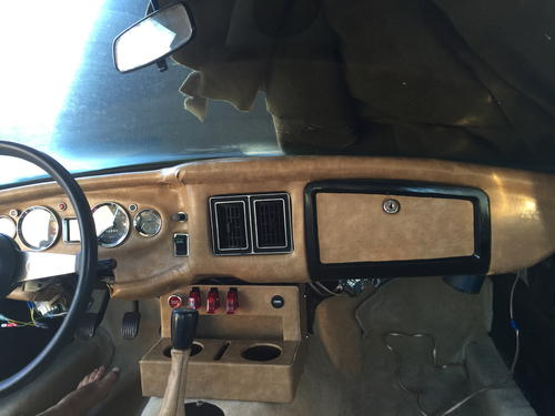 1977 MG Restoration - Reupolstered Dash And Center Console