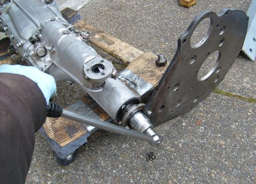Dan's way of removing nut on tailshaft of Non-OD Gearbox - Spring 2010.JPG