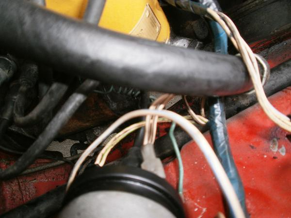 P2230016 distributor and coil confusion mgb & gt forum mg experience 1980 mgb distributor wiring at edmiracle.co
