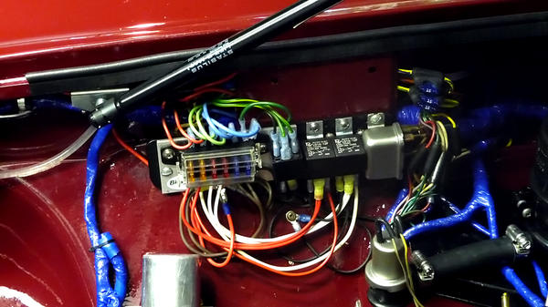 Relays show me your (under bonnet) fuse panel! mgb & gt forum mg 1977 mgb fuse box at arjmand.co