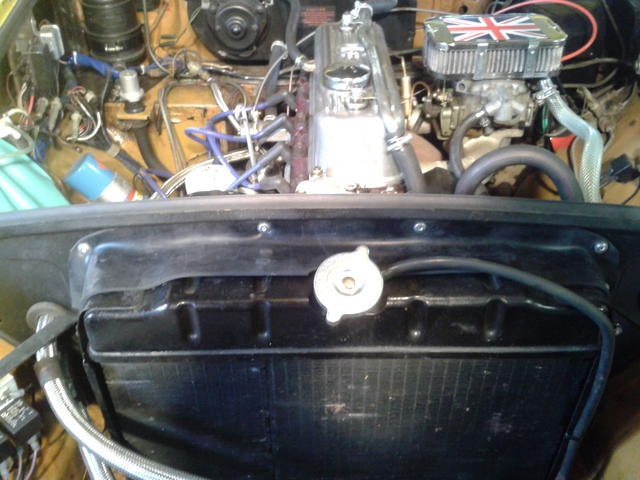 Classic MG MGB Rubber Radiator To Bonnet Diaphragm Seal