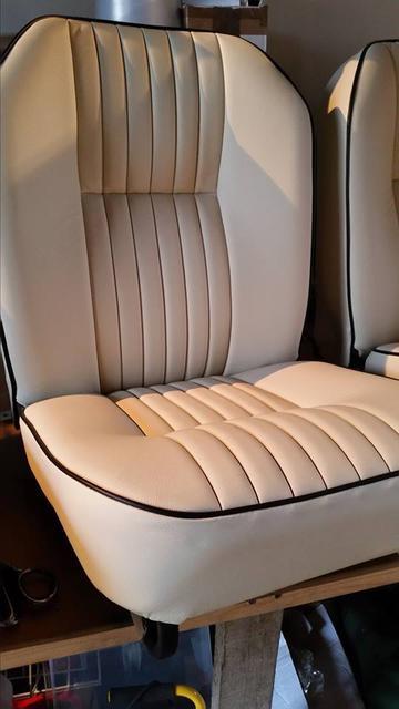 White seat Black piping 3.jpg