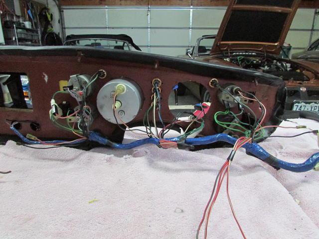 Dash wires 1.JPG