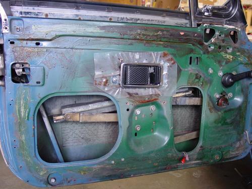 Inner door panel.jpg & Unusual Door Mounted Speaker Location : MGB u0026 GT Forum : MG ...
