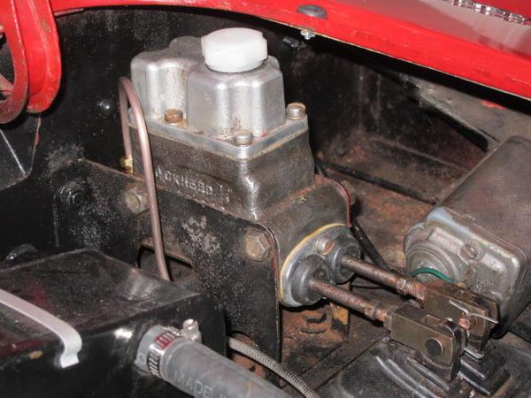 Front OR Rear MG A MGA Twin Cam BRAKE PAD FITTING RETAINING Kit 1957-60