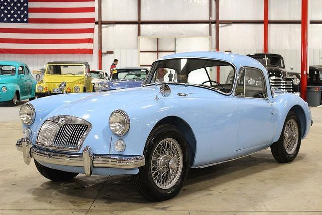 1961 MG MGA (1).jpg
