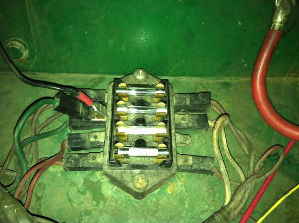 Fuse_Box 1978 mg midget fuse help mg midget forum mg experience forums Circuit Breaker Box at nearapp.co