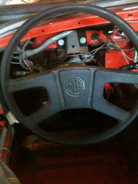 Mg midget steering wheel puller