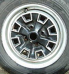 MG MIdget Wheel Pix.jpg