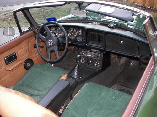 1980MGB cockpit 01.jpg