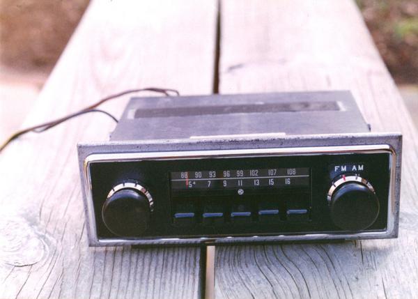 MGB Motorola Radio.JPG