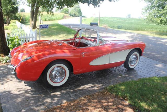 1956_Corvette.jpeg