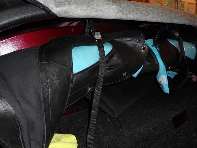 Top stowage straps 1.jpg