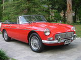 roy gavilan 1965 MG MGB unknown red