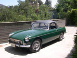 1966 MG MGB British Racing Green Tracey Thompson