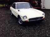 1967 MG MGB GT Primrose Rusty Mayes