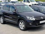 2013 Volkswagen Tiguan BLACK Chris W