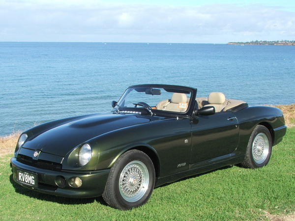 1994 MG RV8 (SARRAWBMBMG000677) : Registry : The MG Experience